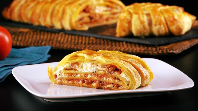 Receita original de lasanha na massa folhada trançada: uma alternativas às receitas tradicionais.