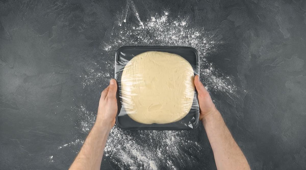Prepare a massa e coloque na geladeira