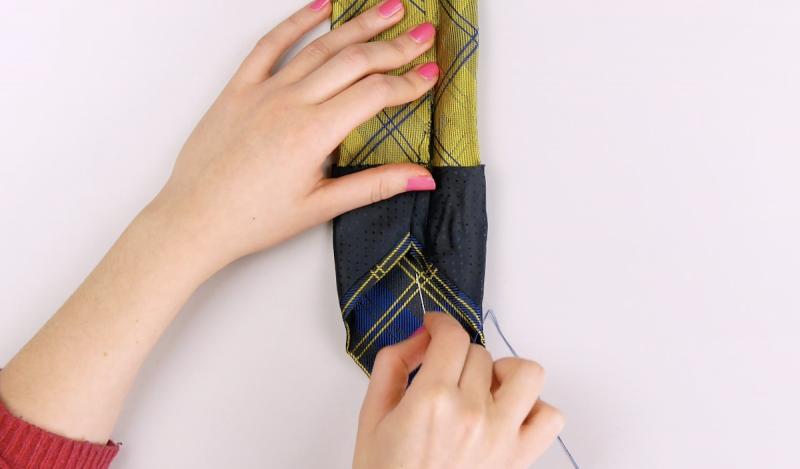 Vire e costure a gravata