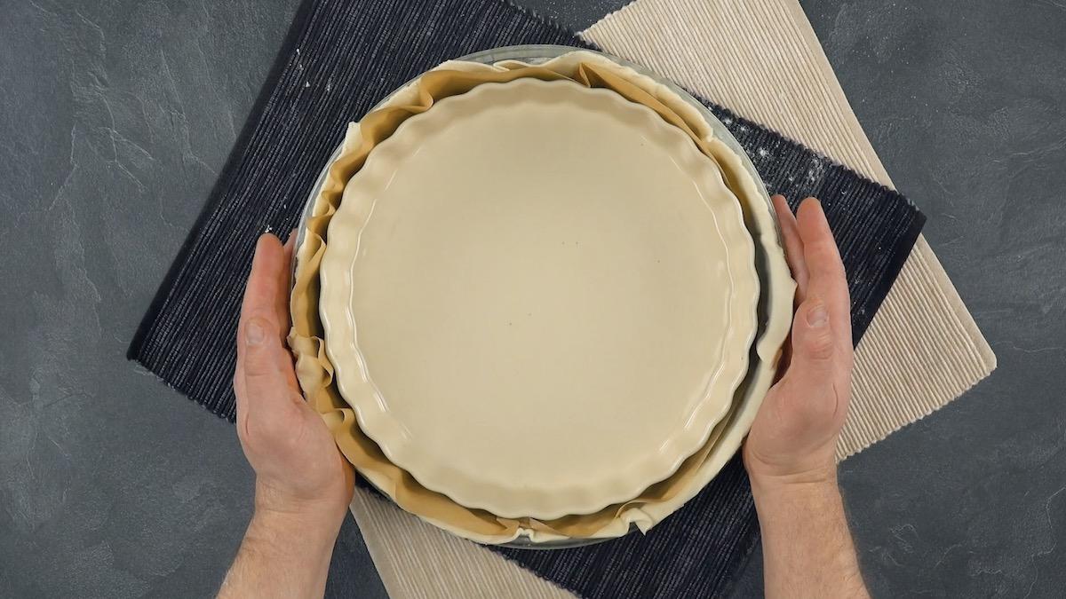 Forma redonda com massa folhada