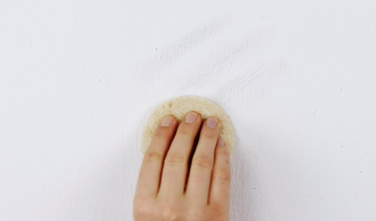 Círculo de pão de forma usado para limpeza