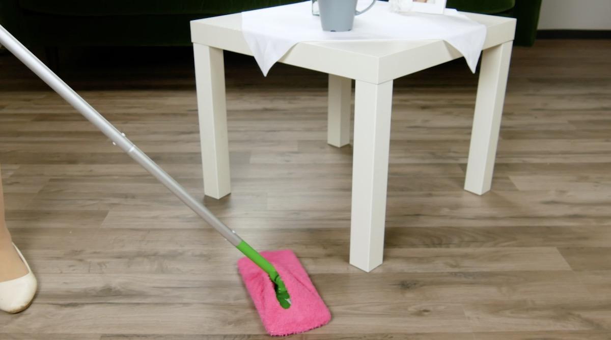 Meia grossa na mop para limpeza de superfícies