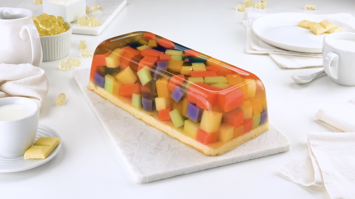 Torta de gelatina e ursinhos de goma