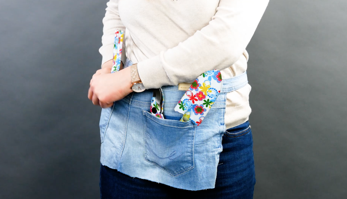 Avental de jardinagem em jeans