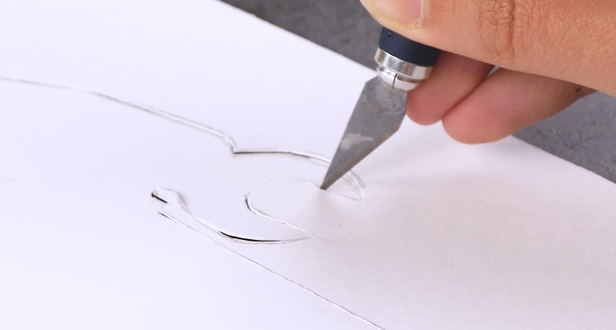 Recorte o desenho com estilete