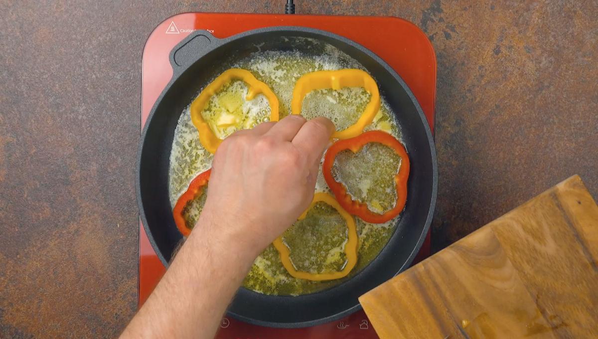 frite os anéis de pimentão