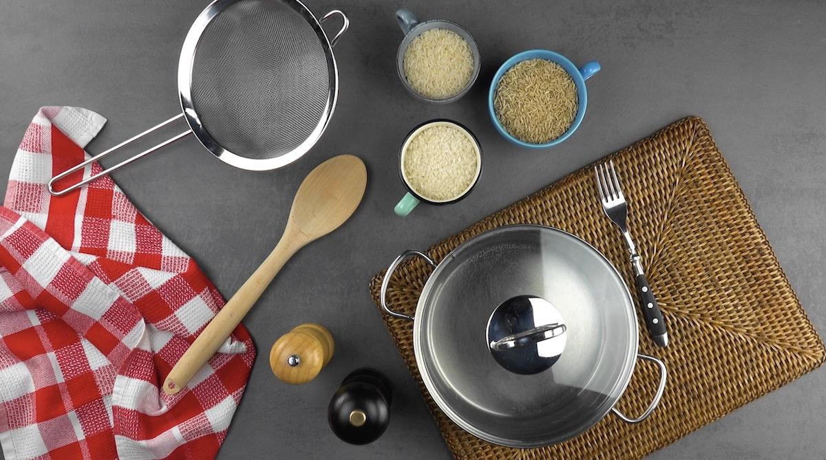 materiais e ingredientes para fazer o arroz perfeito
