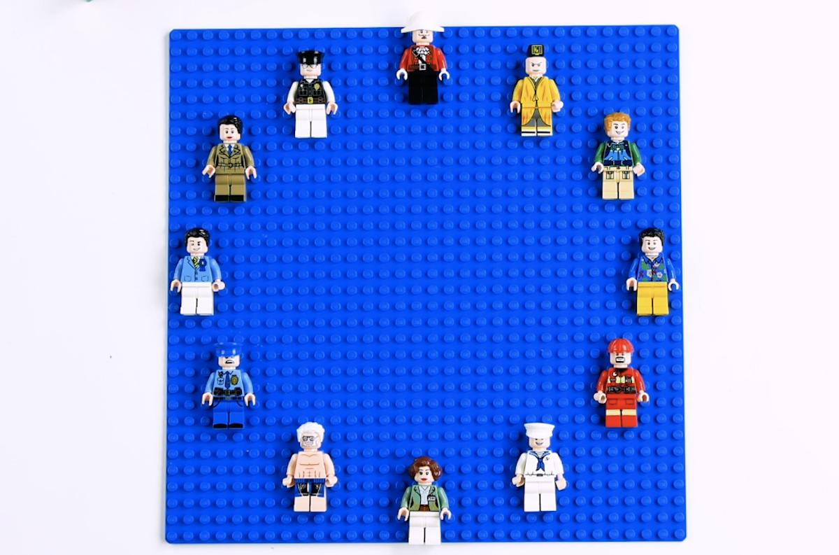 Cole bonecos de LEGO na base