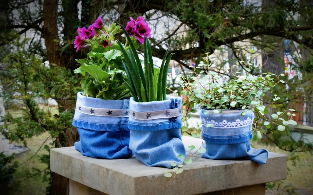 Cobertura de vaso de plantas em jeans