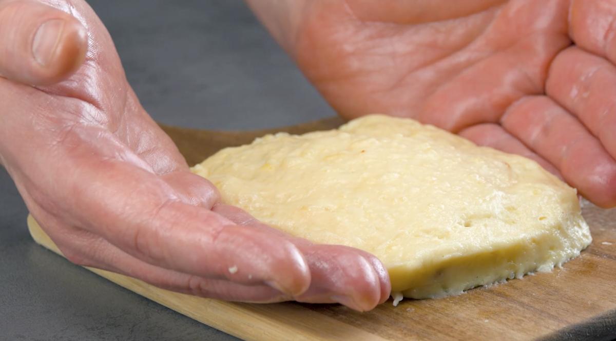 Feche a massa de batata
