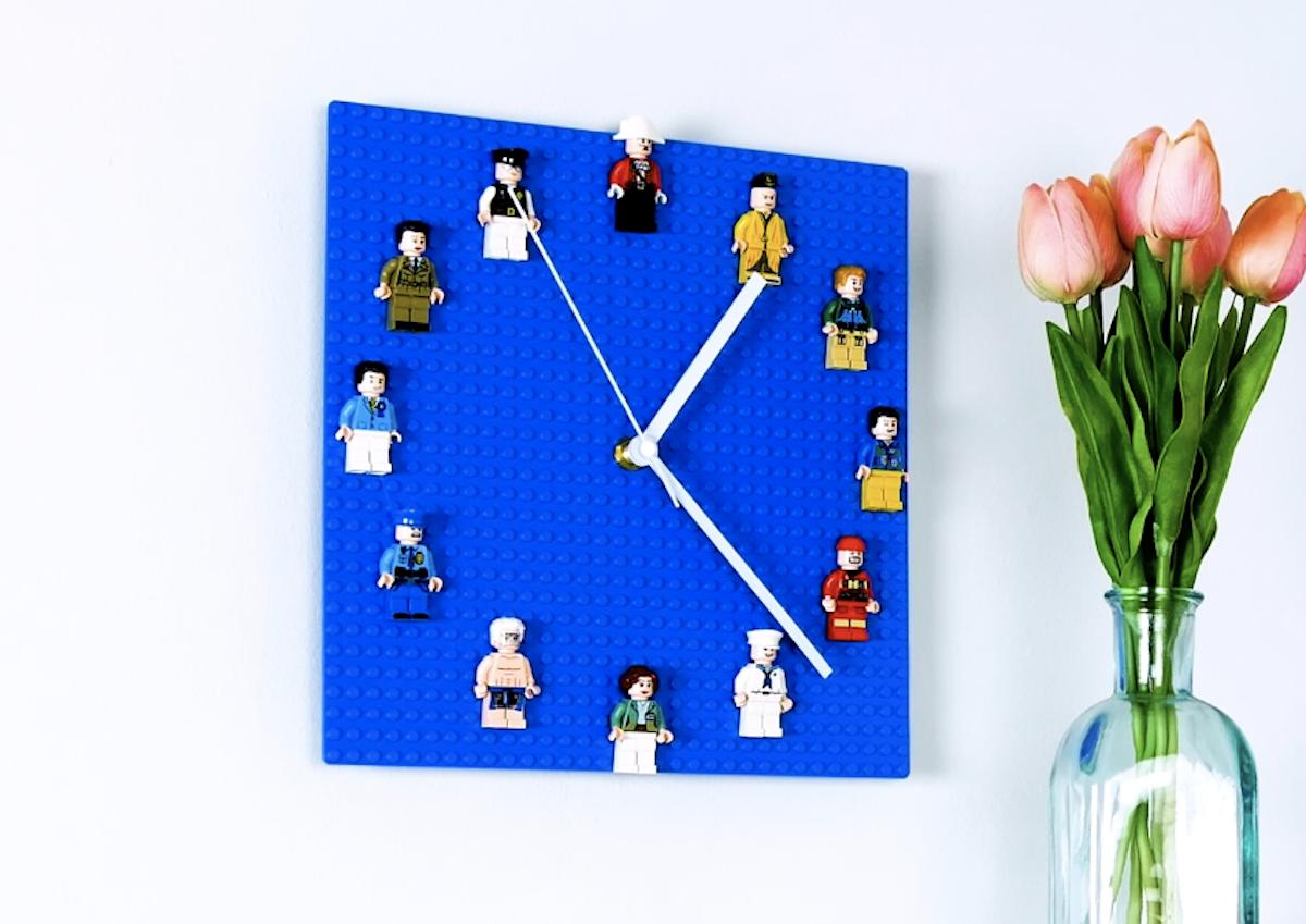 relógio de LEGO