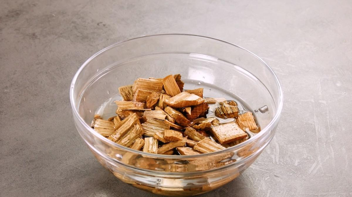 pedaços de madeira