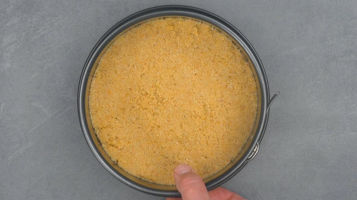 base de torta em tabuleiro