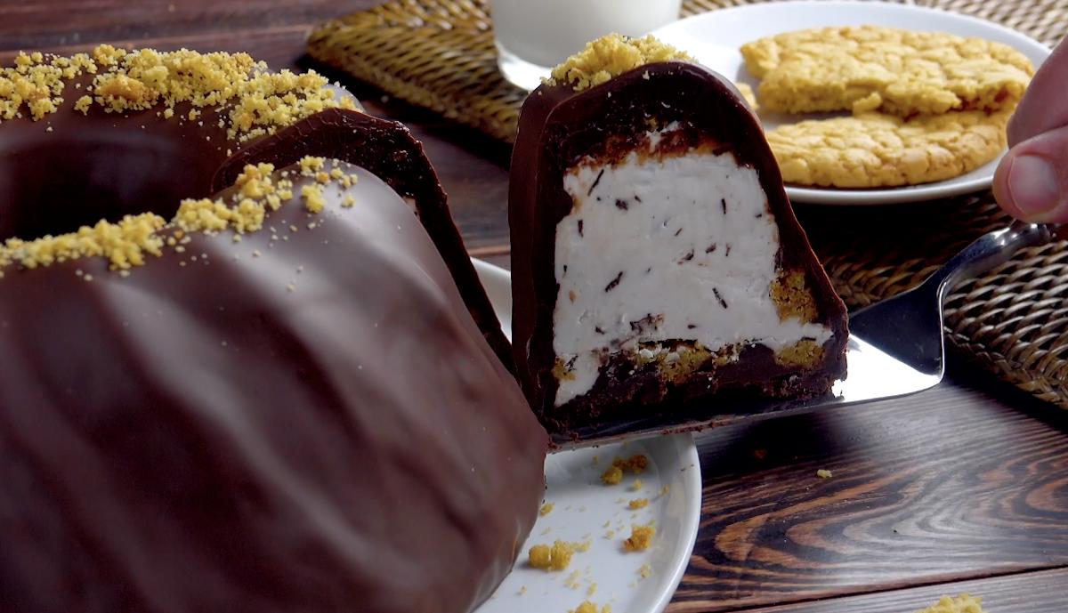Torta de ganache, biscoito e sorvete