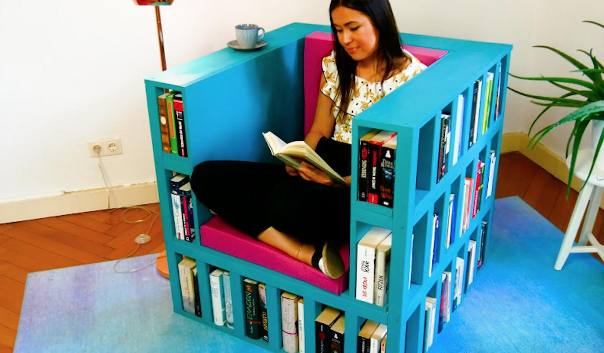 cadeira-estante de livros