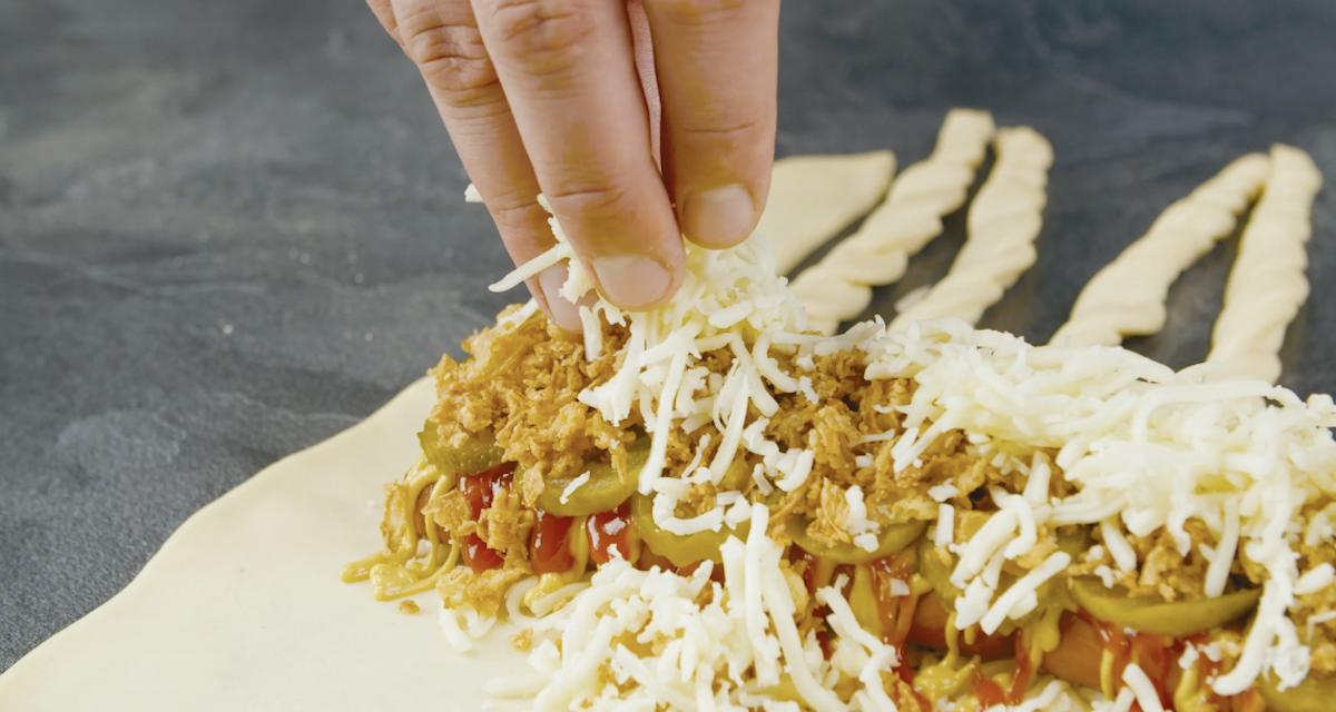 adicione cebola frita e mussarela