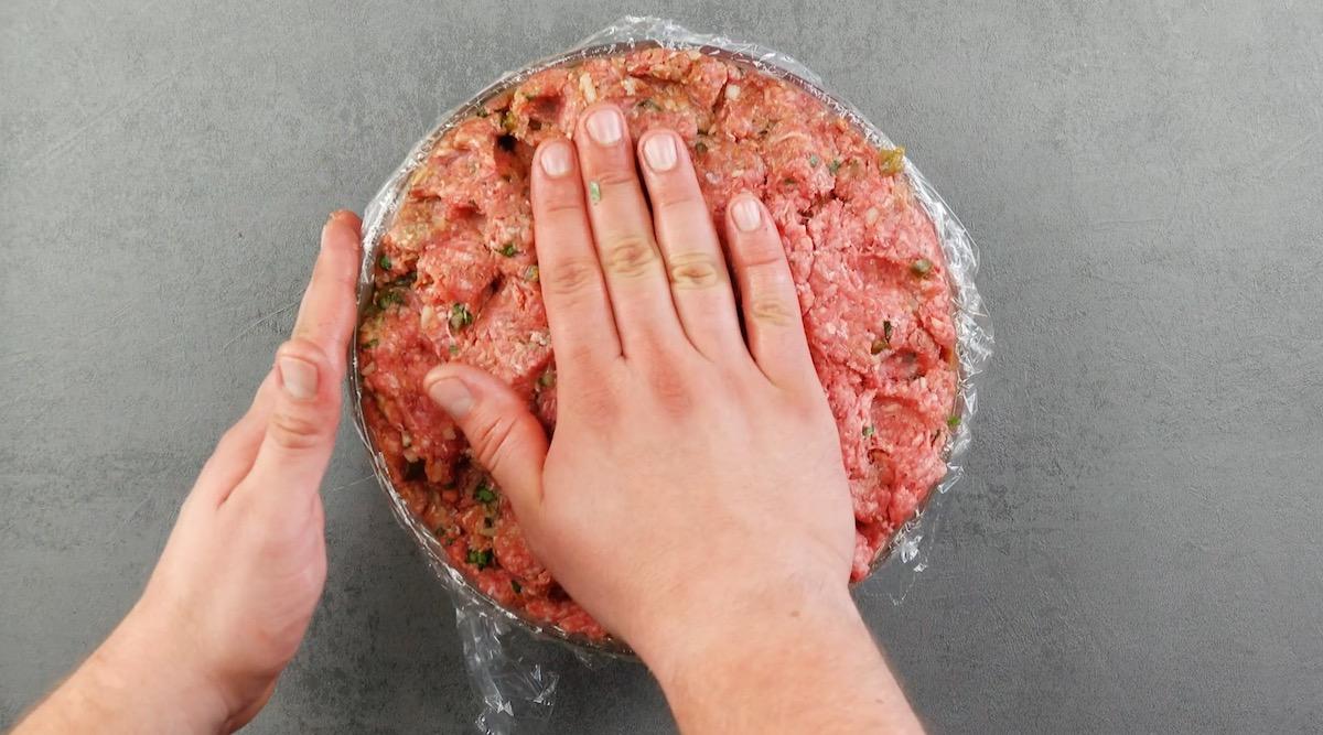 feche a cúpula com mais carne