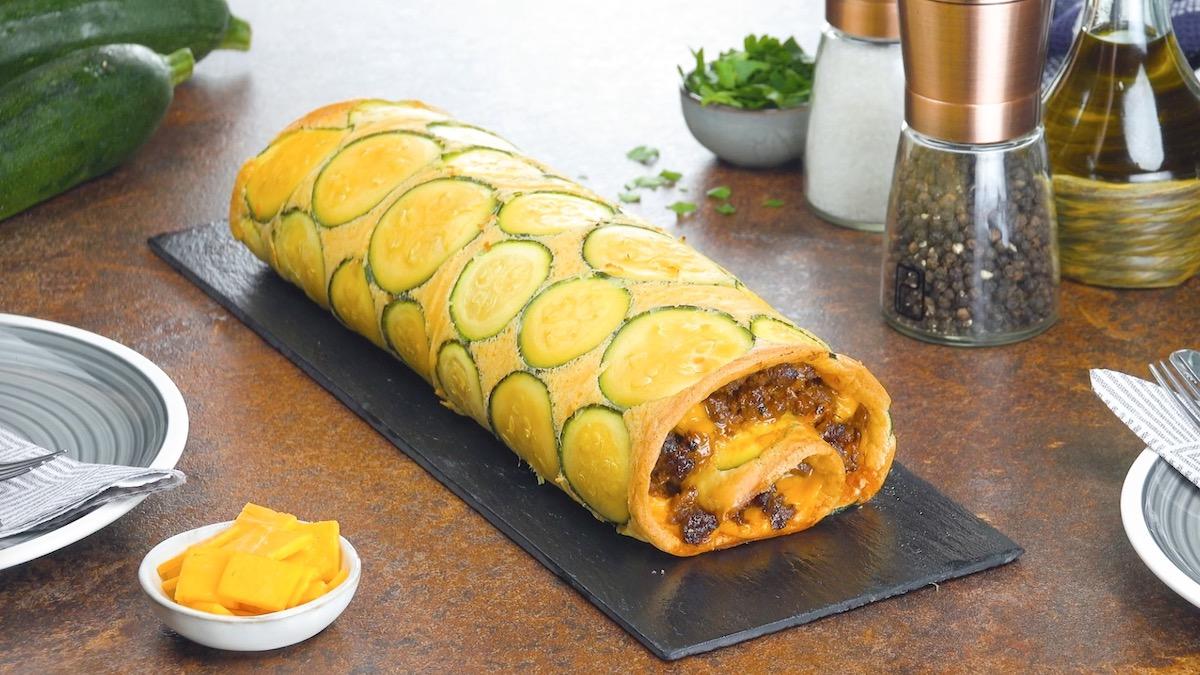 rocambole de abobrinha com carne e queijo