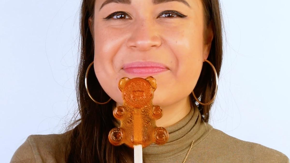 pirulito de caramelo em forma de ursinho