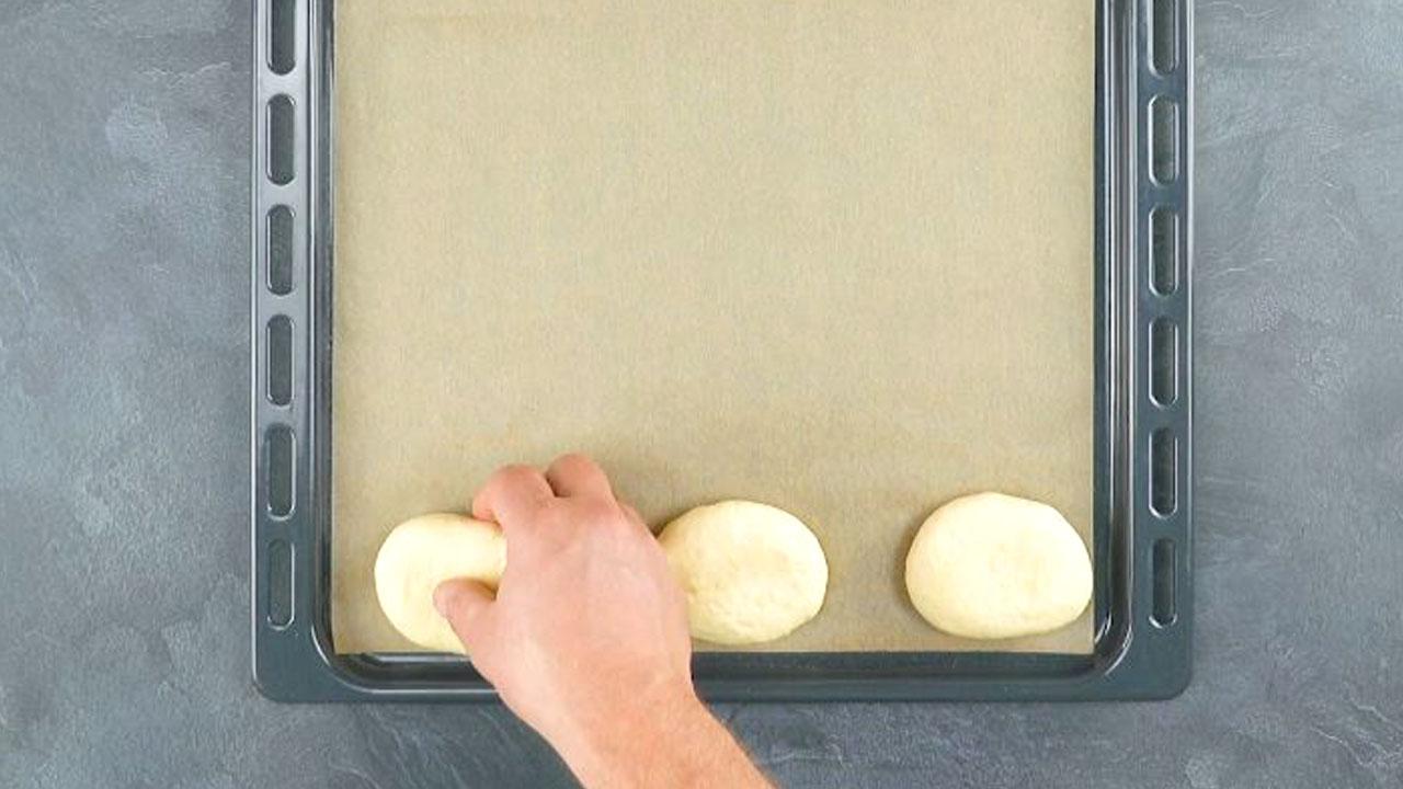 3 bolas de massa para pães de cachorro-quente