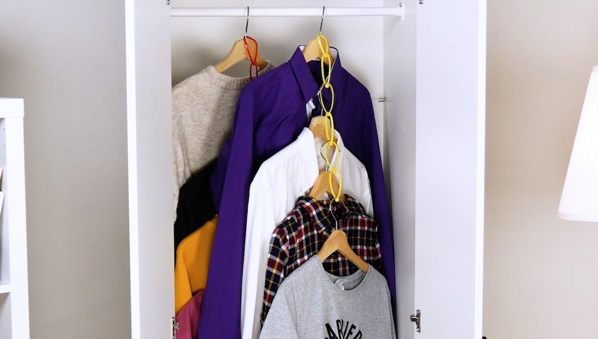 Plus d'espace de stockage dans l'armoire avec des serre-câbles