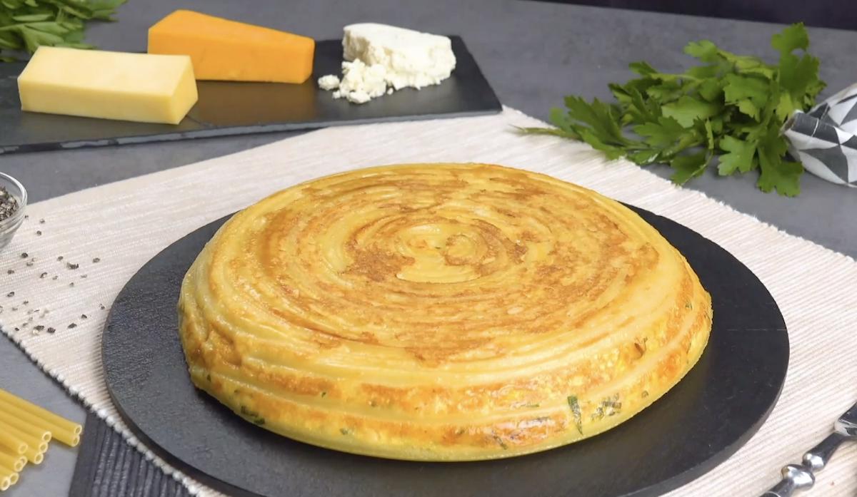 Cheesy Pasta Omelet