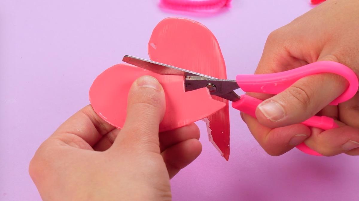 corte o coração de cola