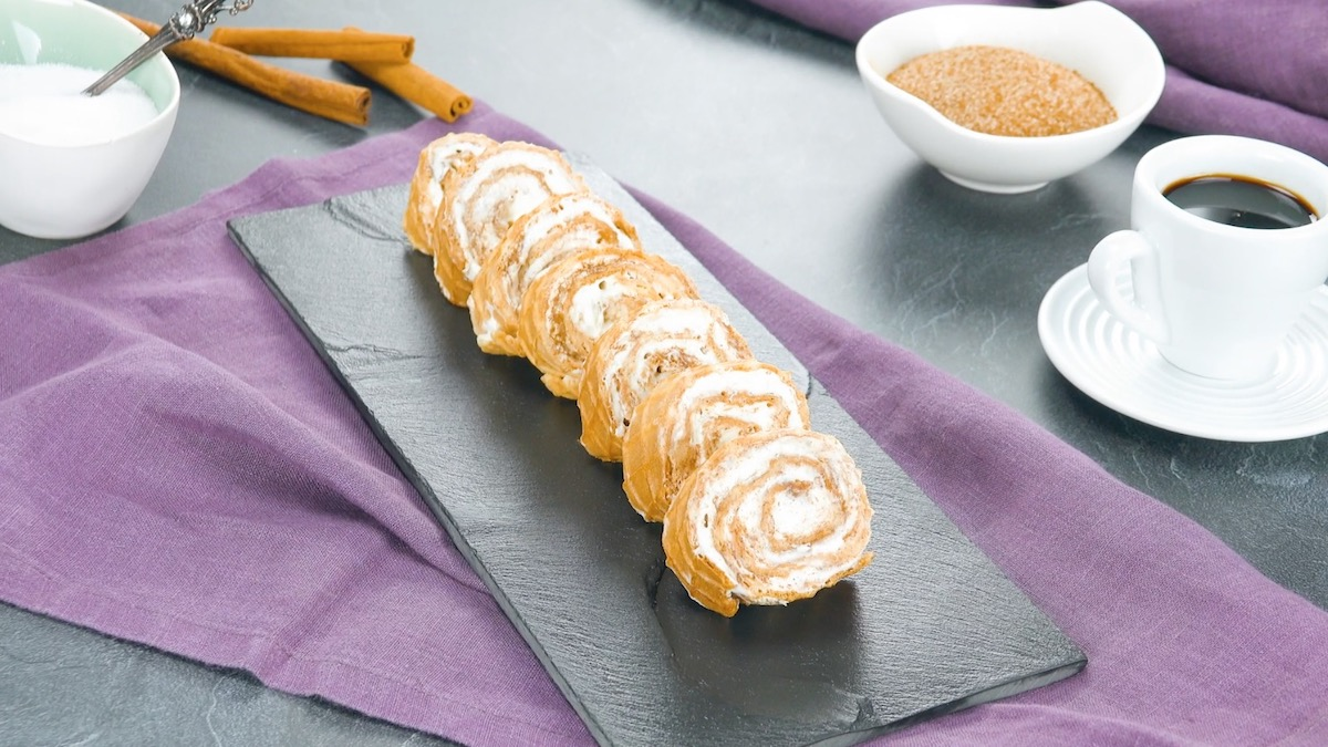 rolinhos de canela com casquinha de sorvete
