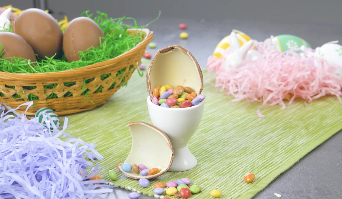 ovo de chocolate caseiro com confetes
