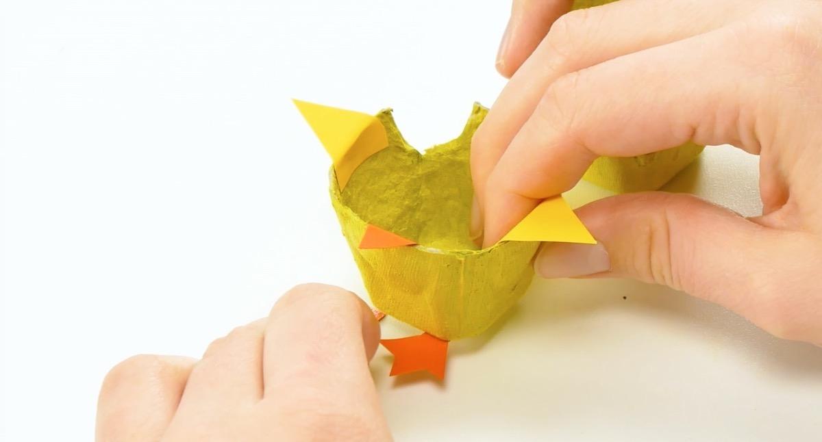 corte as partes do pintinho em papel
