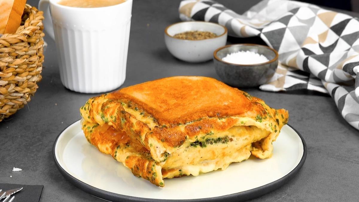 fusion de sandwich et d'omelette