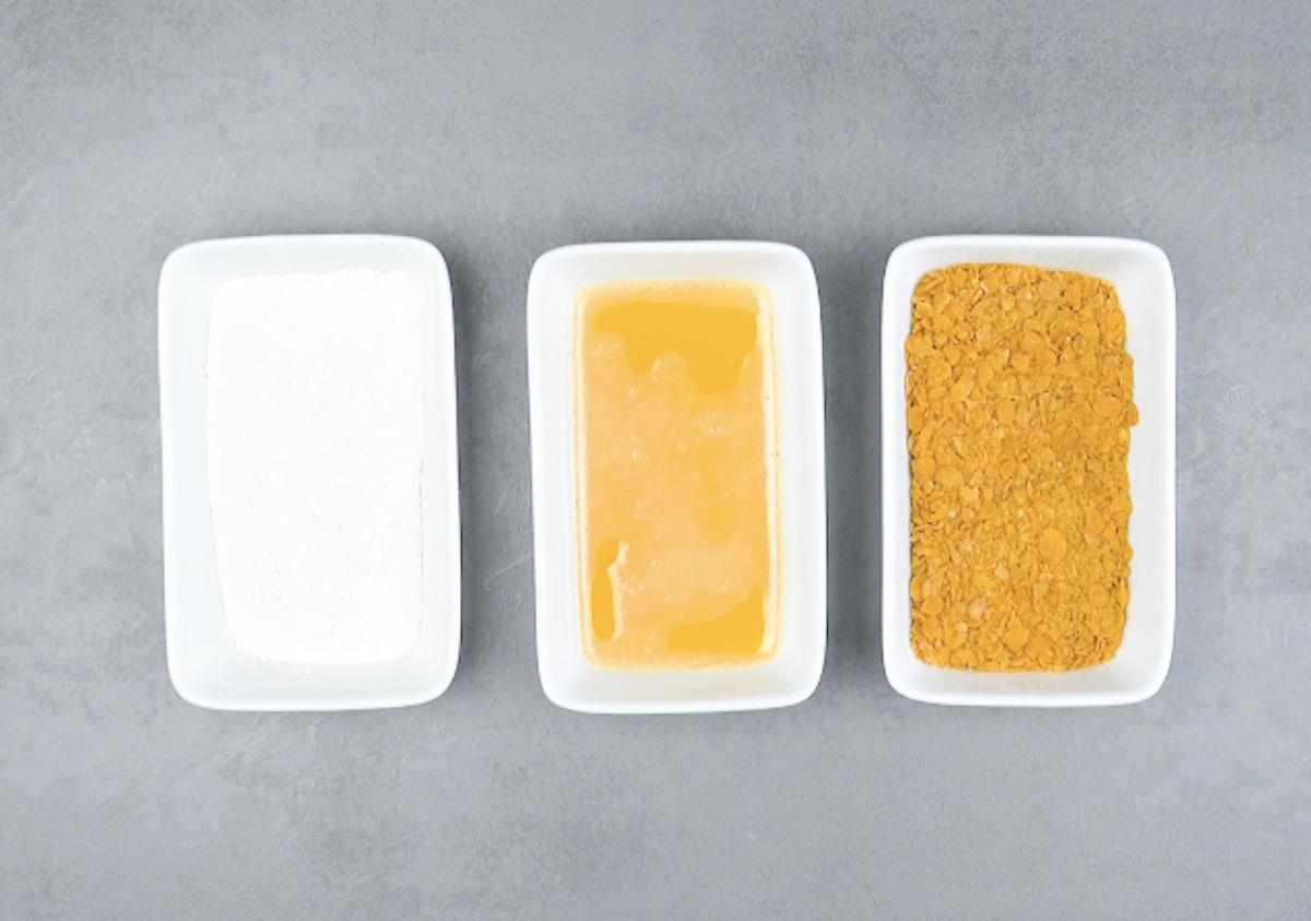 farinha, ovo, flocos de milho
