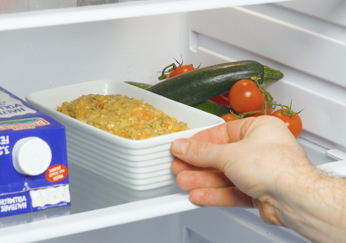 leve a mistura de carne à geladeira