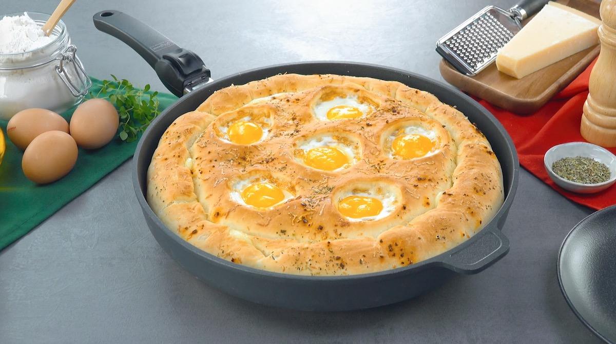 pizza de frigideira com ovo