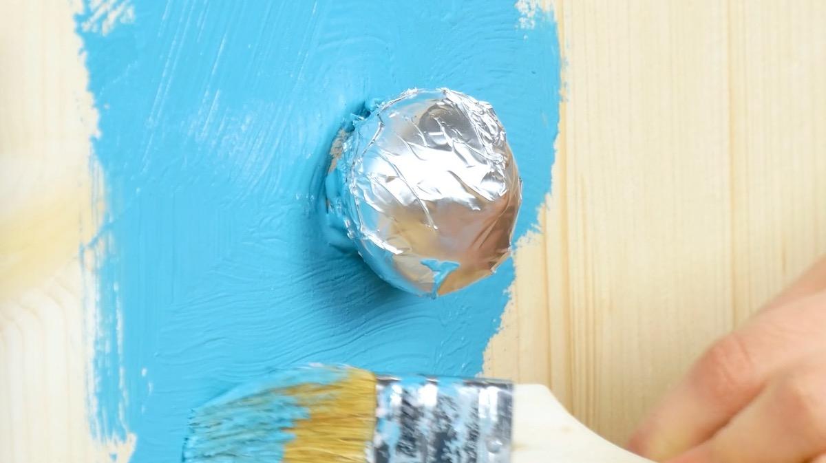 Proteger maçanetas e fechaduras durante a pintura