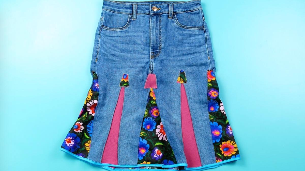 saia jeans com aplicações de tecido