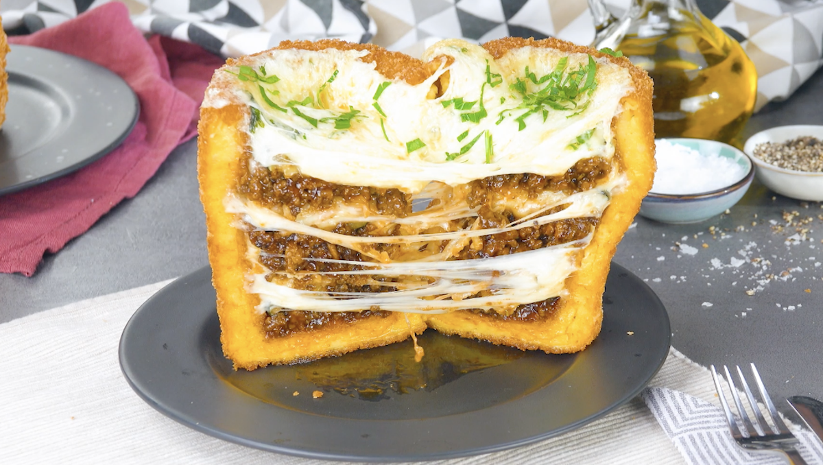 Copos de massa de batata choux com carne moída e queijo raclette
