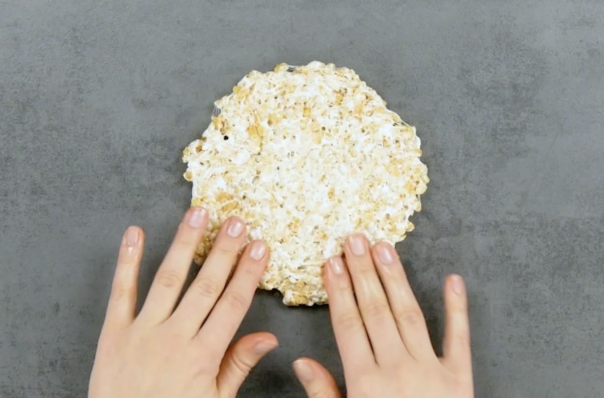 faça um círculo com os flocos de arroz