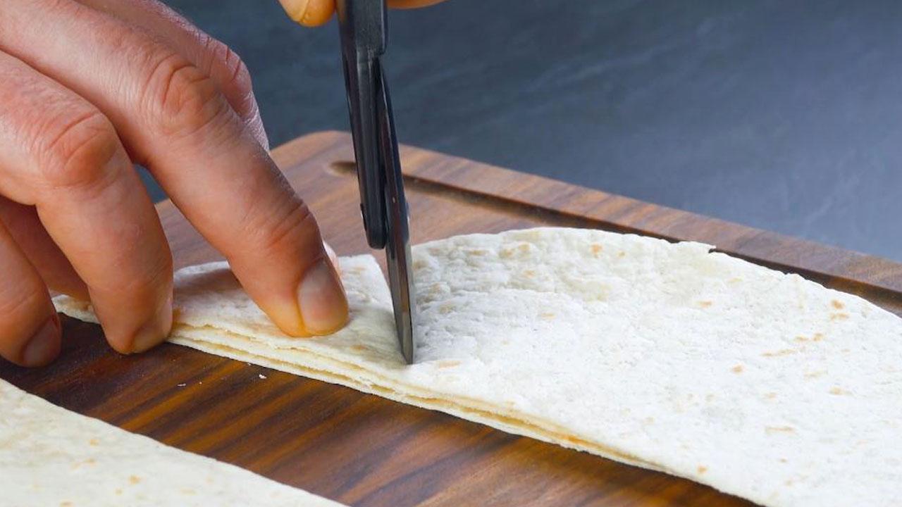 corte as tortilhas em triângulos