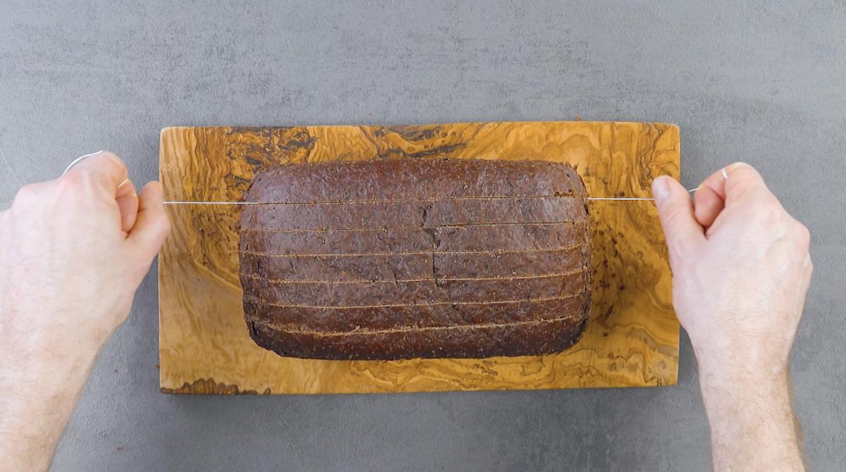 corte o pão em fendas