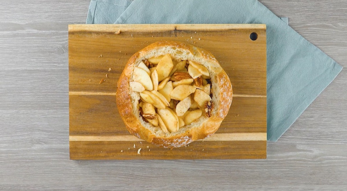pão com maçã e nozes