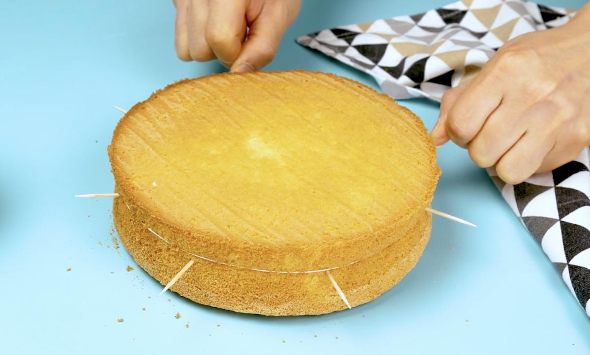 corte o bolo com fio dental