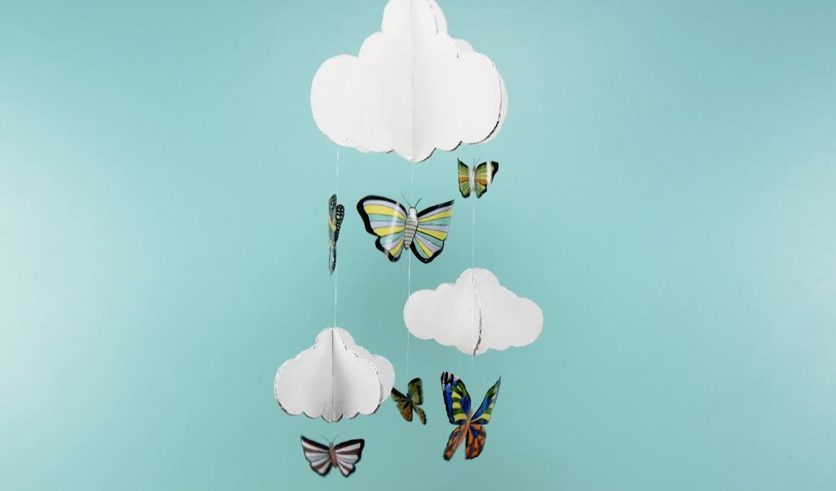 Móbile com borboletas