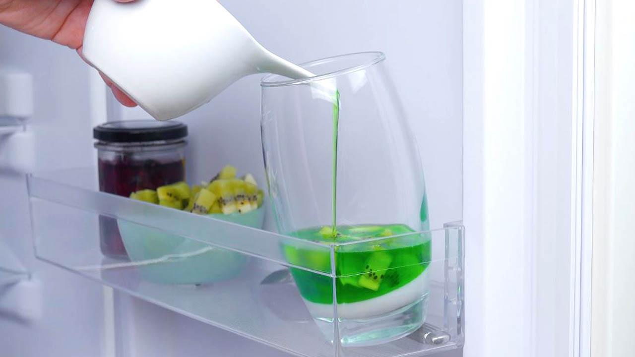 despeje a gelatina verde