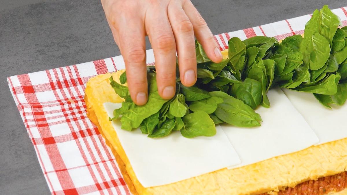 adicione queijo e espinafre