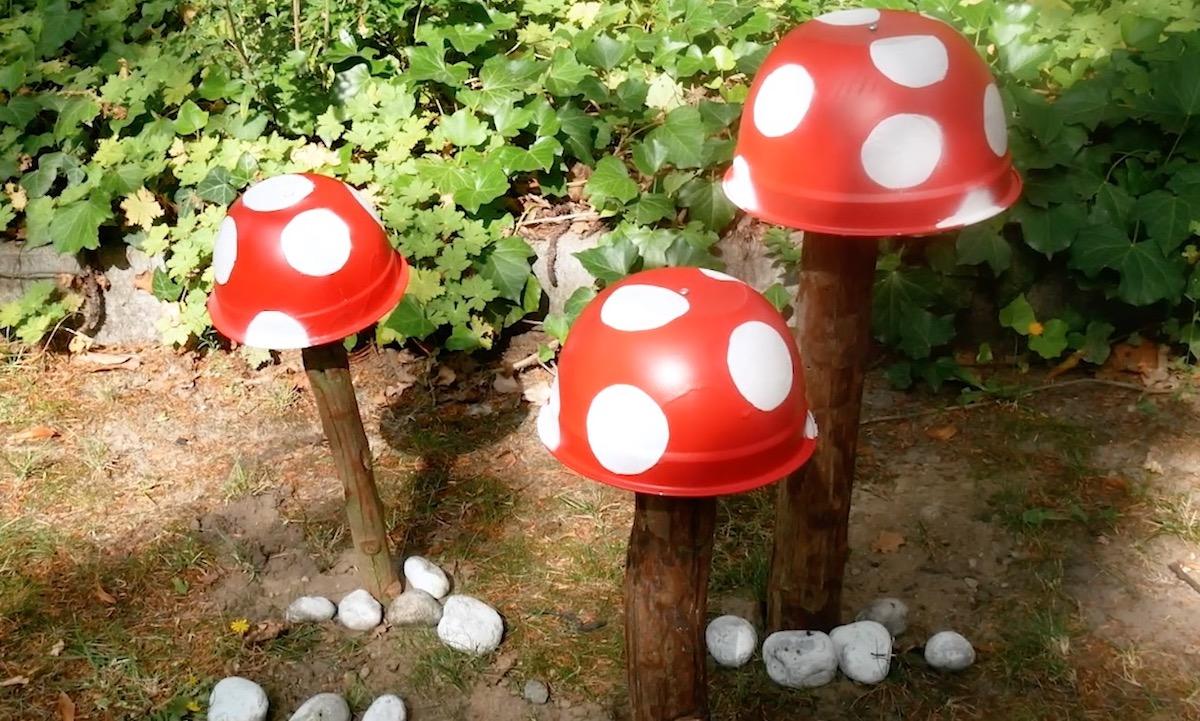cogumelos decoraçao de jardim