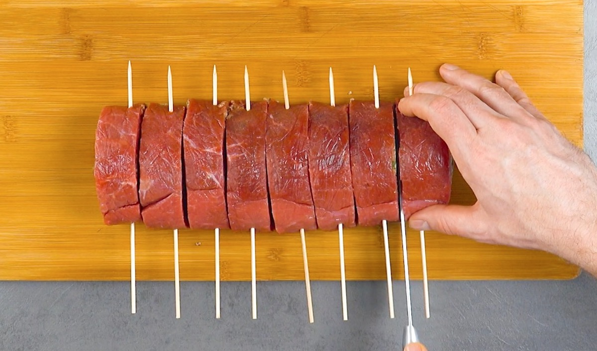 faça os espetos de carne