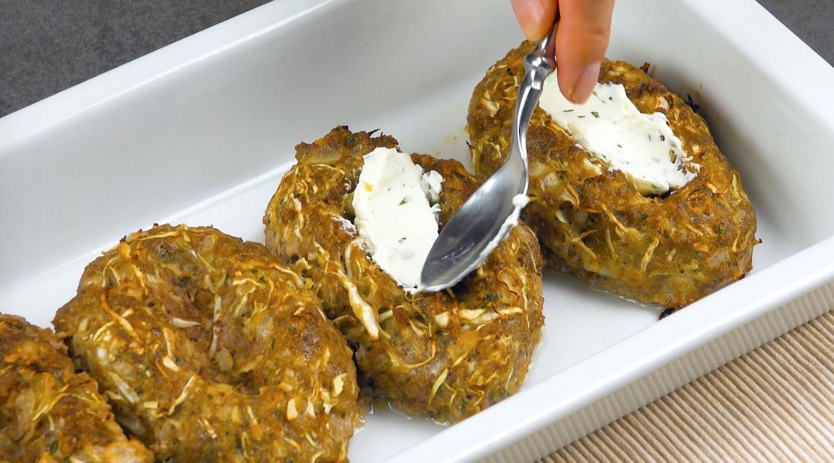 recheie os barcos de carne com cream cheese