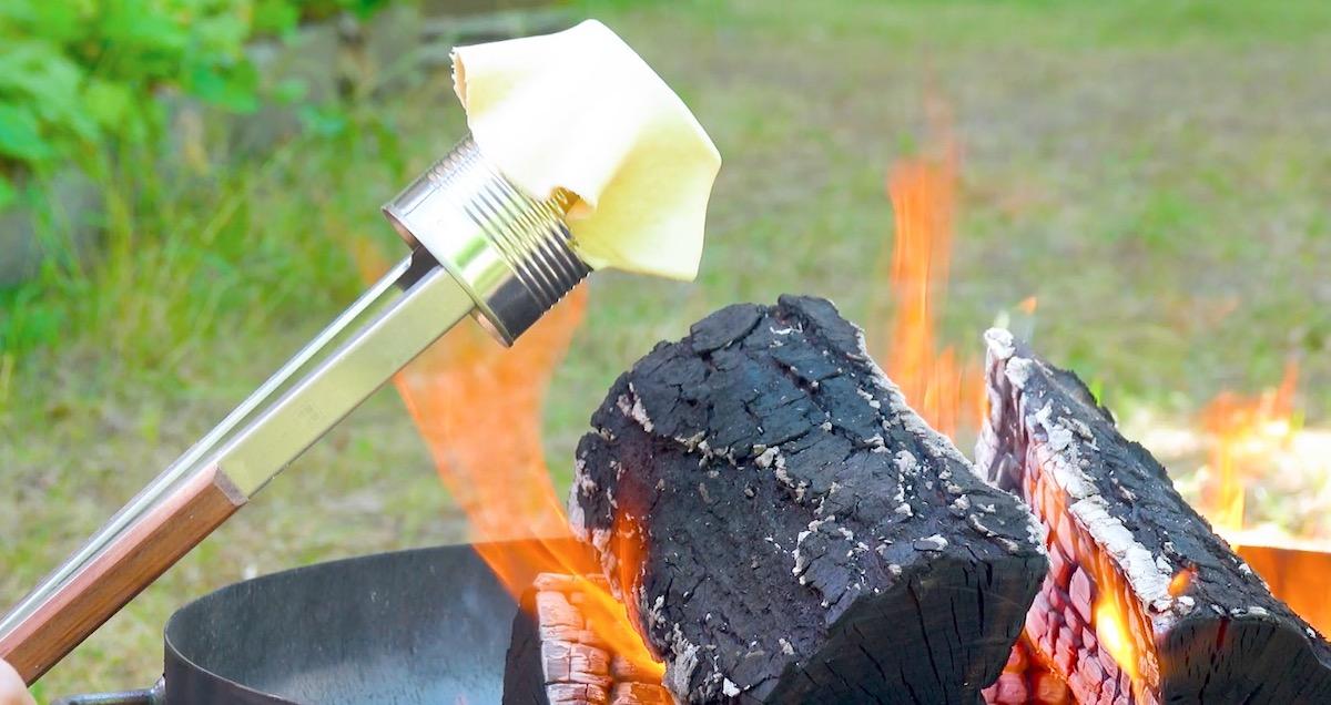 asse a massa na fogueira