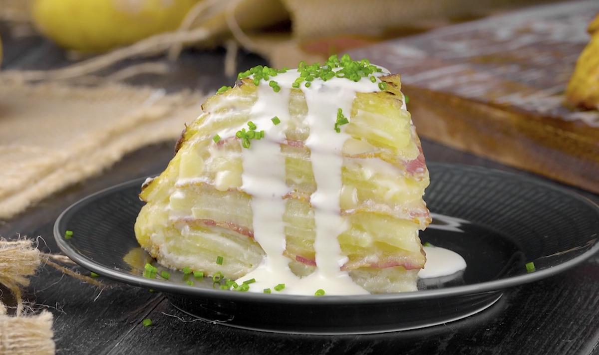 Bolo de batata com queijo e bacon